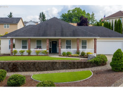 Photo of 2405 NW ESQUIRE DR, Roseburg, OR 97471 (MLS # 20099947)