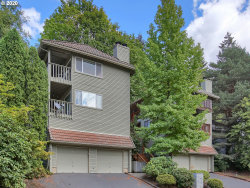 Photo of 287 CERVANTES, Lake Oswego, OR 97035 (MLS # 20115861)