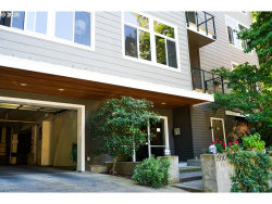 Photo of 1910 SW 18TH AVE , Unit 23, Portland, OR 97201 (MLS # 20117399)