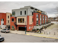Photo of 1700 NW RIVERSCAPE ST, Portland, OR 97209 (MLS # 20129248)