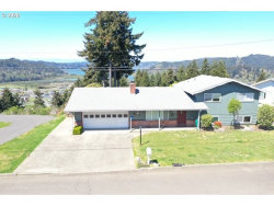 Photo of 689 CRESTVIEW DR, Reedsport, OR 97467 (MLS # 20148689)