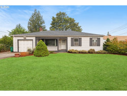 Photo of 10425 SE MITCHELL ST, Portland, OR 97266 (MLS # 20155607)
