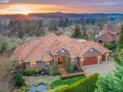 Photo of 1306 SW MILITARY RD, Portland, OR 97219 (MLS # 20156947)