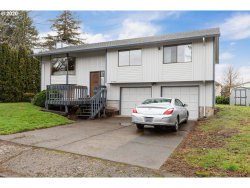 Photo of 5990 SE DEWEY CT, Milwaukie, OR 97222 (MLS # 20161981)