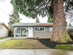Photo of 9724 SE RAMONA ST, Portland, OR 97266 (MLS # 20170204)