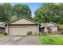 Photo of 31663 SW COUNTRY VIEW LN, Wilsonville, OR 97070 (MLS # 20173618)