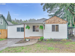 Photo of 941 MADISON ST, Silverton, OR 97381 (MLS # 20240668)