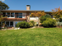 Photo of 2114 NW CREST CT, Roseburg, OR 97471 (MLS # 20252562)