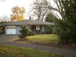 Photo of 4616 SE ADAMS ST, Milwaukie, OR 97222 (MLS # 20261579)