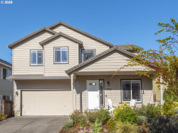 Photo of 13895 SE RED SUNSET AVE, Clackamas, OR 97015 (MLS # 20285199)