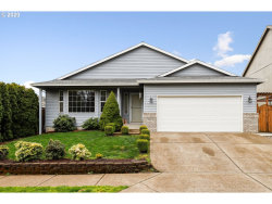 Photo of 13697 SE 139TH AVE, Clackamas, OR 97015 (MLS # 20300371)
