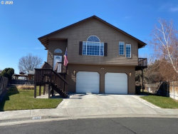 Photo of 1580 RIVER HILL DR, Hermiston, OR 97838 (MLS # 20323136)