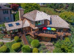 Photo of 1592 VIEW LAKE CT, Lake Oswego, OR 97034 (MLS # 20332091)
