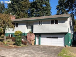 Photo of 16808 SE FIRCREST CT, Milwaukie, OR 97267 (MLS # 20334262)