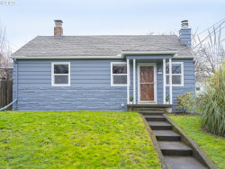 Photo of 7015 N WESTANNA AVE, Portland, OR 97203 (MLS # 20341569)