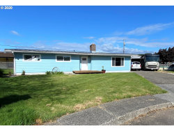 Photo of 2318 HIGH ST, Reedsport, OR 97467 (MLS # 20347367)