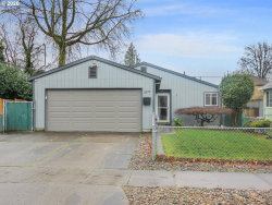Photo of 5326 N DEPAUW ST, Portland, OR 97203 (MLS # 20368739)