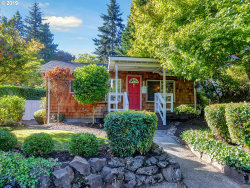 Photo of 304 6TH ST, Lake Oswego, OR 97034 (MLS # 20379193)