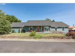 Photo of 923 W MAIN ST, Molalla, OR 97038 (MLS # 20400060)