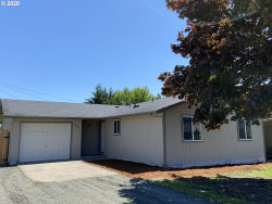 Photo of 307 32ND ST, Springfield, OR 97478 (MLS # 20413363)