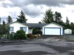 Photo of 2138 SE SANDY CT, Troutdale, OR 97060 (MLS # 20432863)