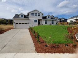 Photo of 9181 SE SPY GLASS DR, Happy Valley, OR 97086 (MLS # 20461339)