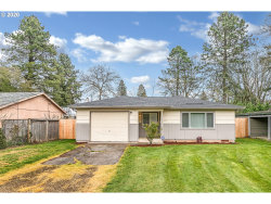 Photo of 2402 SE 90TH AVE, Portland, OR 97216 (MLS # 20485654)