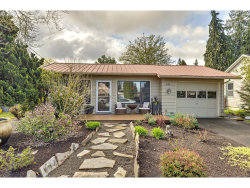 Photo of 435 SW 5TH AVE, Canby, OR 97013 (MLS # 20496379)