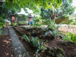 Photo of 624 SE 26TH AVE, Portland, OR 97214 (MLS # 20497509)