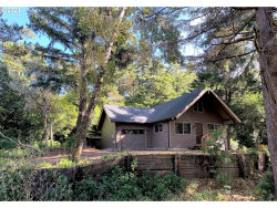Photo of 88121 WOODLANDS DR, Florence, OR 97439 (MLS # 20520535)