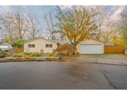 Photo of 11795 SW SCHOLLWOOD CT, Tigard, OR 97223 (MLS # 20526250)