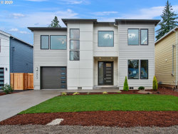 Photo of 12953 SE 31ST AVE, Milwaukie, OR 97222 (MLS # 20529079)