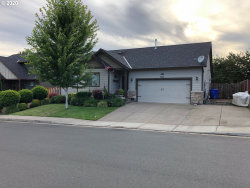 Photo of 646 S TAYLOR CT, Molalla, OR 97038 (MLS # 20533616)