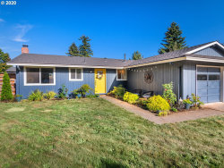 Photo of 13224 NE COUCH ST, Portland, OR 97230 (MLS # 20560108)