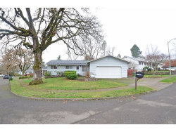 Photo of 13197 SW 62ND AVE, Portland, OR 97219 (MLS # 20576754)