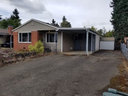 Photo of 324 W BERDINE ST, Roseburg, OR 97471 (MLS # 20592905)
