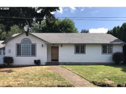 Photo of 12775 SE 32ND AVE, Milwaukie, OR 97222 (MLS # 20609036)