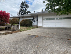 Photo of 672 SE 7TH AVE, Hillsboro, OR 97123 (MLS # 20614634)