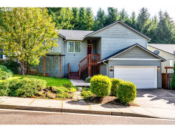 Photo of 1660 SAMUEL DR, Cottage Grove, OR 97424 (MLS # 20619327)