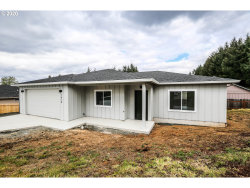 Photo of 1570 Red Hills PL, Cottage Grove, OR 97424 (MLS # 20663456)