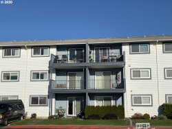 Photo of 950 EVERGREEN RD , Unit 209, Woodburn, OR 97071 (MLS # 20677288)