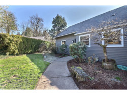 Photo of 8036 SW VALLEY VIEW CT, Portland, OR 97225 (MLS # 20684068)