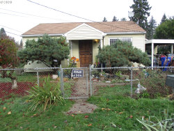 Photo of 10505 SE INSLEY ST, Portland, OR 97266 (MLS # 20684079)