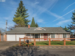 Photo of 15831 SE MILL ST, Portland, OR 97233 (MLS # 21109685)