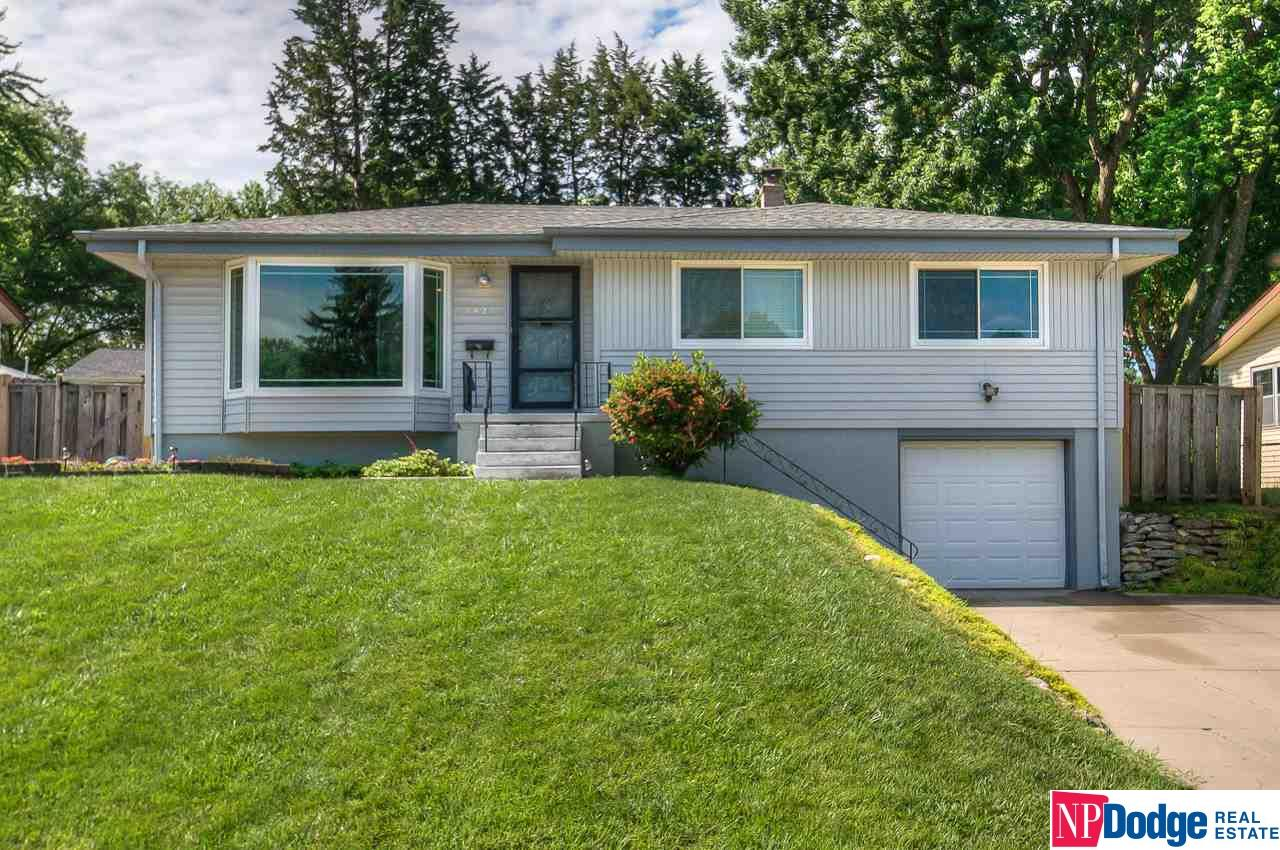 Photo for 7421 Spring Street, Omaha, NE 68124 (MLS # 21913918)