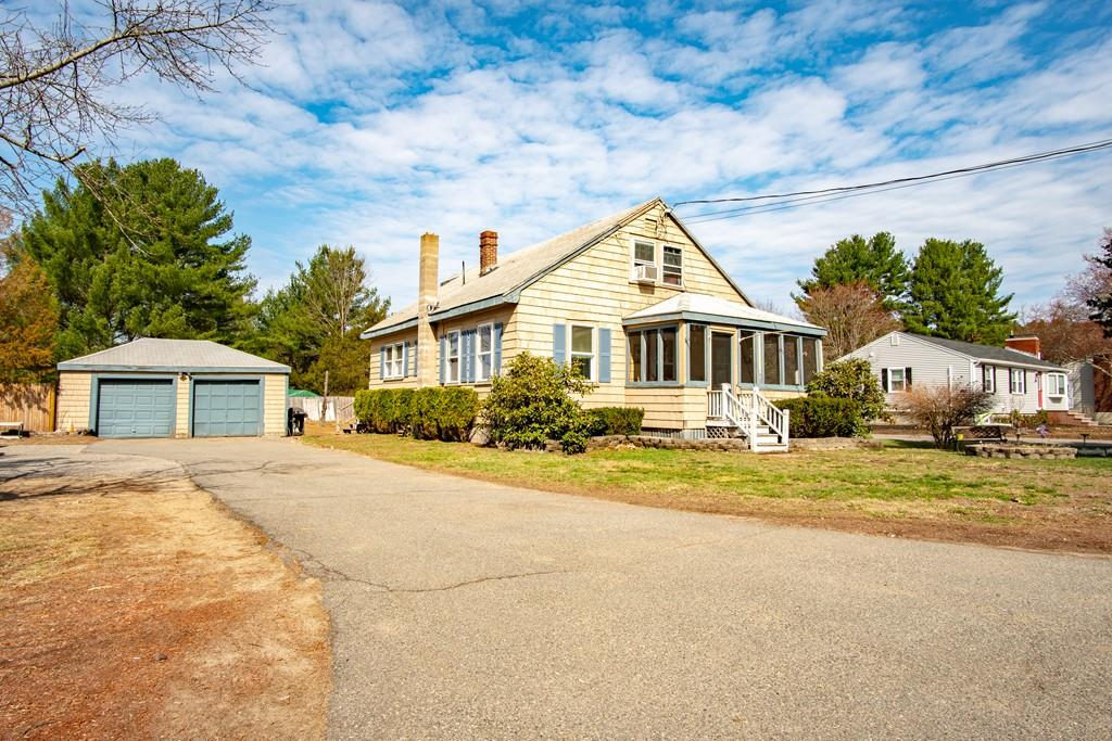 Photo for 851 Main St, Wilmington, MA 01887 (MLS # 72530704)