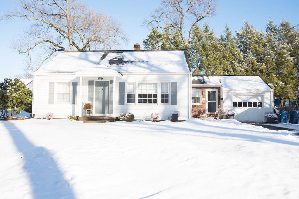 Photo for 52 Lewis Avenue, West Springfield, MA 01089 (MLS # 72600650)