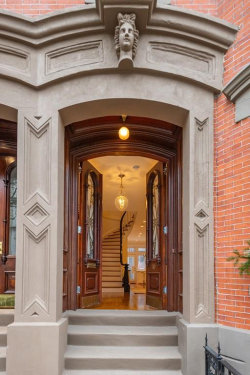 Photo of 10 Rutland Sq, Boston, MA 02118 (MLS # 72615458)