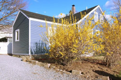 Photo of 55 Mt. Vernon St, New Bedford, MA 02740 (MLS # 72638952)