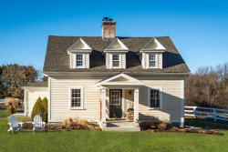 Photo of 1 Hunt Dr, Unit 1A, Dover, MA 02030 (MLS # 72700994)